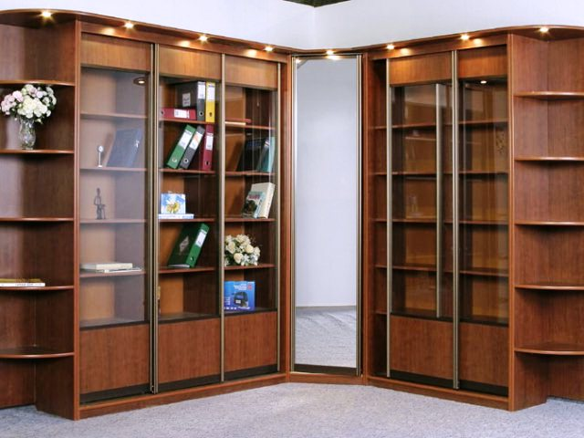 Шкаф для книг 2.