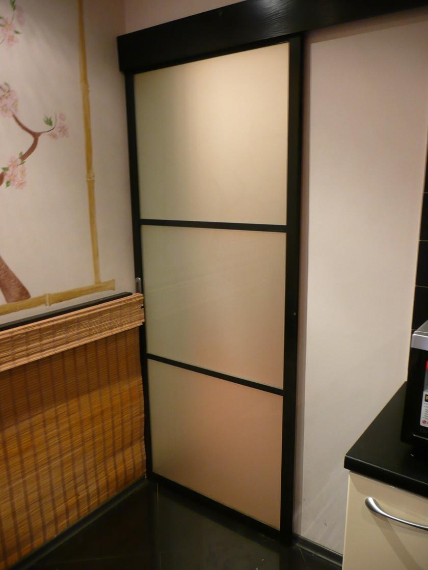 Как сделать стеклянную дверь для шкафа